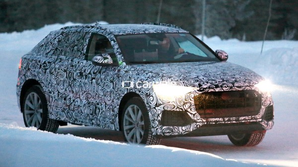 First-images-of-the-Audi-Q8-in-its-real-body-1