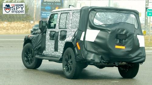 New generation Jeep Wrangler spied testing